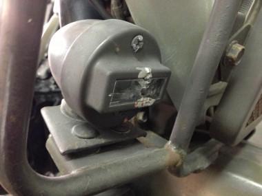 フロントの灯火管制用ライト(B.Oライト)も同様の処置が施されていた。無念!