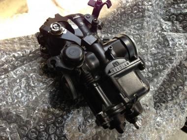 自衛隊から払い下げられた完全ジャンク偵察オートバイのエンジンについてきたキャブレター