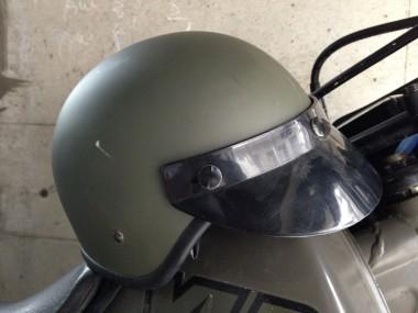 偵察用ヘルメットと偵察オートバイXLR250R。基地祭などで良く見かけた光景だ