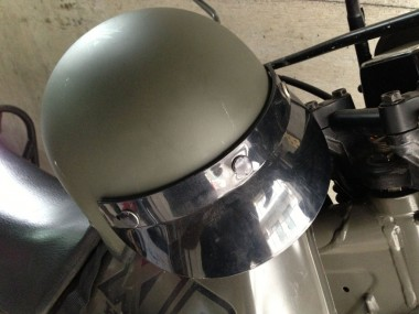 何年ものあいだ、こんちゃねオフィスの倉庫に収納されていて陽の目を見ることがなかった偵察隊用ヘルメット