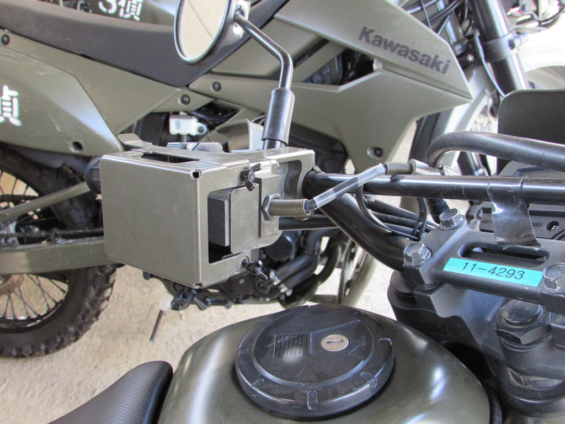 最近の偵察オートバイに搭載されている端末用マウントホルダー